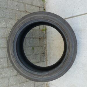 1 Bridgestone 245:45 R18 100Y-01